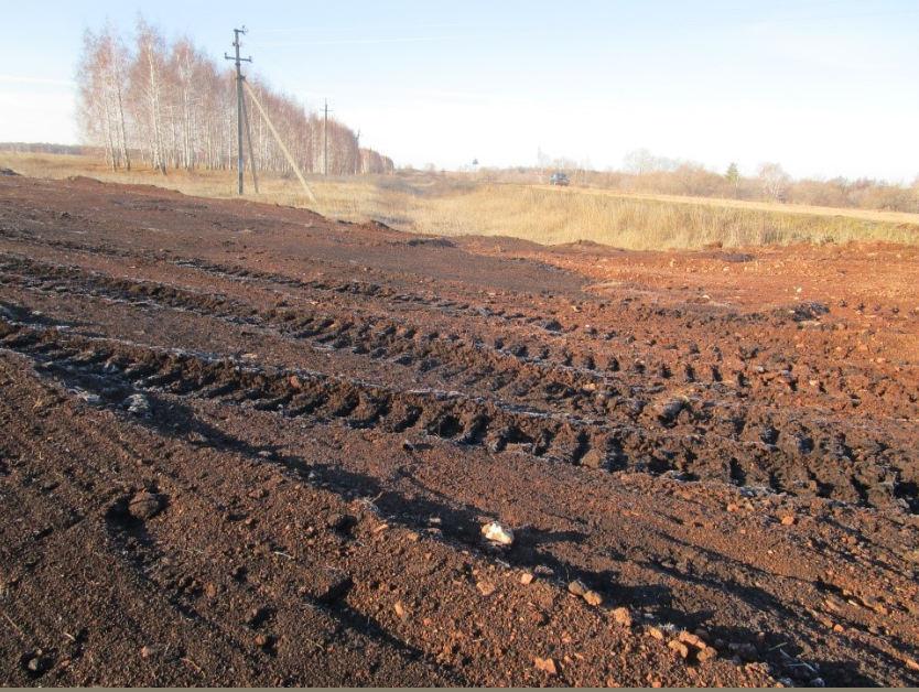 В Матвеевском районе ГУП ««Оренбургремдорстрой»  при проведении ремонтных работ  допустило  снятие и перемещение плодородного слоя почвы